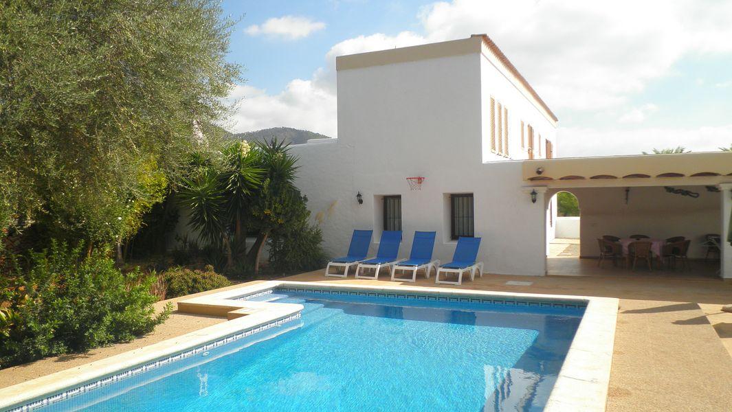 Ibiza holiday villas country farmhouse in the north of for Ibiza country villas